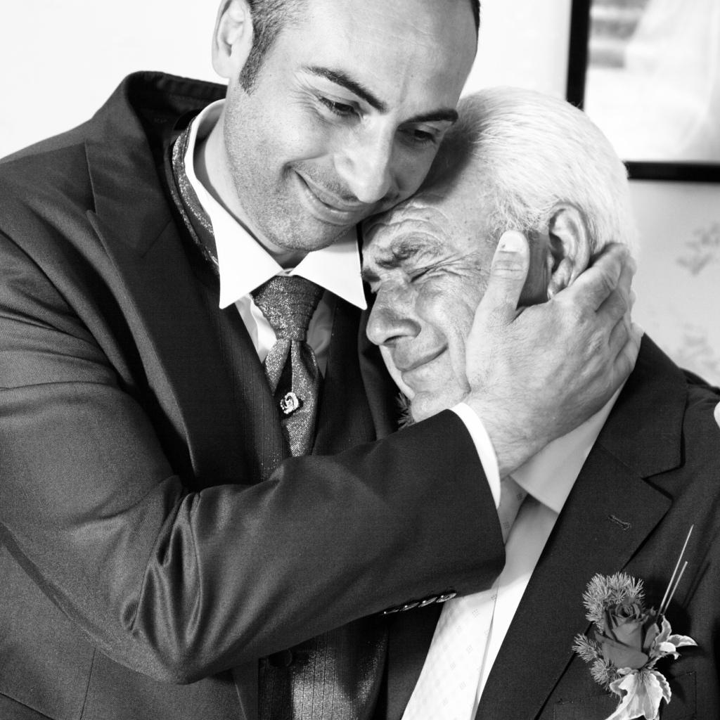 abbraccio padre figlio